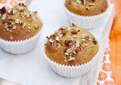 Healthy pumpkin muffins with pecans Healthy Baking, Healthy Snacks, Healthy Recipes, Love Food, A Food, Food And Drink, Cookie Desserts, Dessert Recipes, Best Breakfast