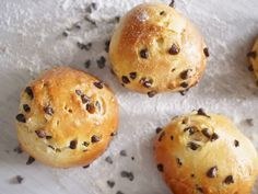 Briochettes au chocolat - Blog de cuisine créative, recettes / popotte de Manue Fun Desserts, Tea Time, Muffin, Food And Drink, Bread, Breakfast, Pastries, Biscuits, Map
