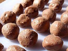 Trufe de ciocolata, poza 3 Deserts, Muffin, Cakes, Breakfast, Magick, Fine Dining, Morning Coffee, Desserts, Food Cakes