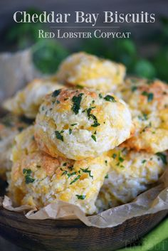 These Cheddar Bay Biscuits (Red Lobster Copycat) are entirely irresistible and can be on your table in less than 20 minutes! I dare you to eat just one!