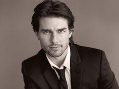 Tom Cruise Height Weight Waist & Body Measurements