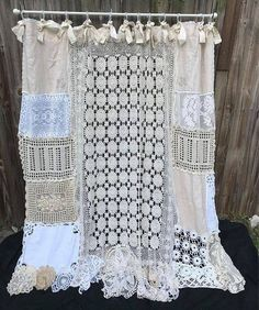 Vintage Embroidery Shower Curtain Shabby Nordic Chic Cottage Chic Bathroom Decor Home Decor Vintage Crochet Vintage Lace Vintage Embroidery Doilies - Crochet Home Decor Pattern – 'Flower' Curtain Tie Back Source by babytoboomer Rideaux Shabby Chic, Baños Shabby Chic, Shabby Chic Kitchen, Shabby Chic Furniture, Vintage Embroidery, Vintage Crochet, Embroidery Patterns, Vintage Lace, Vintage Modern