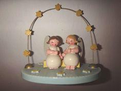 VINTAGE ERZGEBIRGE Wendt & Kuhn Expertic Sitting Angels Under A Bow of Stars