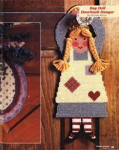 Rag Doll Doorknob Hanger 1/2 Doorknob Hangers, Door Knobs, Plastic Canvas Crafts, Plastic Canvas Patterns, Door Holders, Arts And Crafts, Diy Crafts, Alice In Wonderland, Christmas Stockings