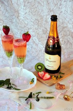 Kiwi-Strawberry Bellini--A perfect cocktail to share with your Valentine!  ;)