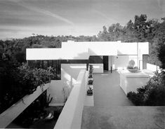 Richard Josef Neutra (1892-1970) | Lovell Heath House | Los Angeles, California | 1929