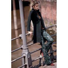 Mantel, tailliert, klassisch, Wolle Vorderansicht