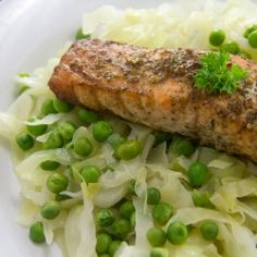 Two for one girls... Cruciferous veg + Omega3s in this Herbed Salmon, Cabbage and Peas by LovelyPantry