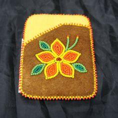Acho Dene (Fort LIard) beading) Native Beading Patterns, Beadwork Designs, Native Beadwork, Butterfly Stencil, Native American Crafts, Beaded Lanyards, Beaded Crafts, Beading Projects, Beaded Bags