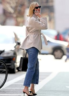 Head-turner: Kloss wore a thick taupe trench-style jacket for the outing, with overlarge breast pockets and a fabric sash belt tied around her waist Karlie Kloss Street Style, Outing Outfit, Black Mules, Trench Jacket, Autumn Street Style, Autumn Winter Fashion, Nyc, Clothes For Women, Womens Fashion