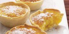 Queijadas de coco (recipe in portuguese ) … Portuguese Sweet Bread, Portuguese Desserts, Portuguese Recipes, Portuguese Food, Cupcake Recipes, My Recipes, Sweet Recipes, Dessert Recipes, Cooking Recipes