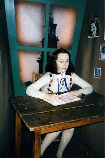 O Diário de Anne Frank: Terça-feira, 2 de maio de 1944
