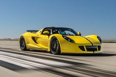 Hennessey Venom GT Spyder Claims Title as World's Fastest Convertible Gallery via MOTOR TREND News iPhone App
