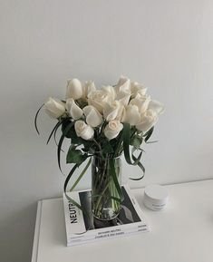 Simple Aesthetic, Beige Aesthetic, Flower Aesthetic, Aesthetic Photo, Aesthetic Pictures, Design Your Bedroom, My Scrapbook, Fashion Room, Pretty Flowers