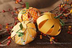 Thanksgiving pequeño papel calabazas por Craftaholics Anonymous