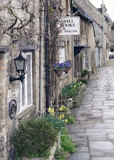 cotswolds, england | villages and towns in the united kingdom + travel destinations #wanderlust