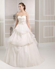 8S1A2 LYZ | Wedding Dresses | 2015 Collection | Luna Novias
