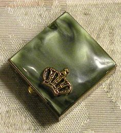 Pill Box Snuff Box The Bucklers 5th Ave by RosePetalResources, $32.00