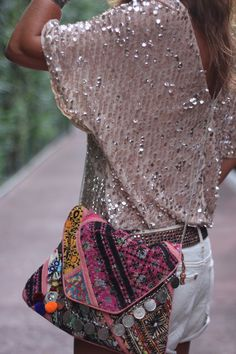 Sequin boho look x Hippie Style, Look Hippie Chic, Look Boho, Bohemian Style, Mode Chic, Mode Style, Style Me, Ibiza Fashion, Look Fashion