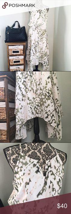 NWT! Beautiful Ivory Olive Green Nude V Dress! NWT! Beautiful Ivory Flowy Olive Green & Nude Pink V Neck Dress! Beautiful on! Size medium! Dresses Maxi