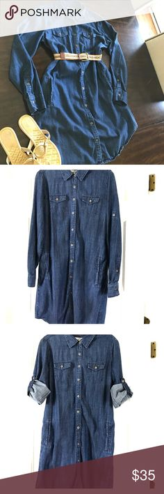 Banana Republic Chambray Shirt Dress Gorgeous and comfortable chambray shirt dress!! This dress can be worn in all seasons!! It's sleeves can remain down or rolled up. It's a great go-to dress!! Please note, only the dress is for sale. Banana Republic Dresses