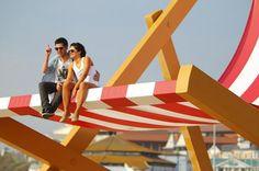une chaise longue géante sur la plage de bournemouth