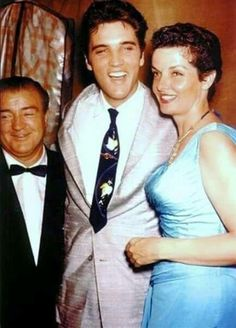 Lou, Elvis and Jane Russell Jane Russell, Susan Hayward, Divas, Classic Hollywood, Old Hollywood, Hollywood Party, Hollywood Icons, Hollywood Glamour, Hollywood Stars