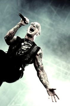 M. Shadows ~ Avenged Sevenfold. This picture SHOWS and BREATHES power. Before I get emotional, I guess I need a minute, man.