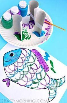 Make Fish Scales Using Paper Rolls - Rainbow Fish craft Kids Crafts, Summer Crafts, Toddler Crafts, Projects For Kids, Diy For Kids, Art Projects, Arts And Crafts, Beach Crafts For Kids, Easy Crafts