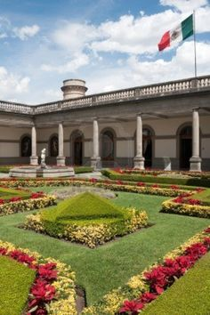 Courtyard of Chapultepec castle, Mexico City, Mexico.  Photo: Alberto Loyo