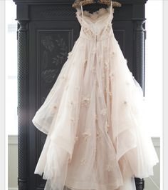 White ball gown dress Beautiful