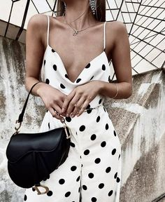 Loving this polka dot style! – We Heart It Loving this polka dot style! Loving this polka dot style! Fashion Blogger Style, Look Fashion, Fashion Beauty, Autumn Fashion, Womens Fashion, Fashion Trends, Lifestyle Fashion, Beauty Style, Girl Fashion