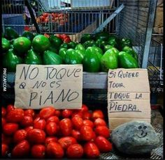 Photo (All things Mexico. Funny Images, Funny Pictures, Humor Mexicano, Spanish Humor, Internet Memes, Cartoon Jokes, Humor Grafico, Funny As Hell, Can't Stop Laughing
