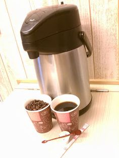 http://blog.kobecoffee.com/2016/09/2016.html  Meeting rooms or seminar,our coffee pot service(too much order) is possible to all of KOBE city♪