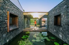 Image 5 of 20 from gallery of Three Court House / RMA Architects. Photograph by Tina Nandi Architecture Collage, Space Architecture, Tropical Architecture, Architectural Photographers, Architectural Digest, Modern House Design, Water Features, Landscape, House Styles