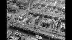 Renault fabrique plus de 15 000 moteurs d'avions entre 1914 et 1918. La France était leader dans le domaine aéronautique avant 1914, en construction d'avions comme de moteurs ; ce secteur comptait de nombreuses entreprises. La fabrication de moteurs d'avions depuis 1907 évita la fermeture complète de l'usine Renault à la mobilisation. Sur la durée du conflit, cette activité pour un total de près de 95 000 assemblés en France fin 1918.