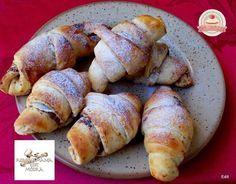 Pehely könnyű kakaós kifli Hungarian Cake, Sausage, Biscuits, Potatoes, Bread, Cookies, Vegetables, Recipes, Food