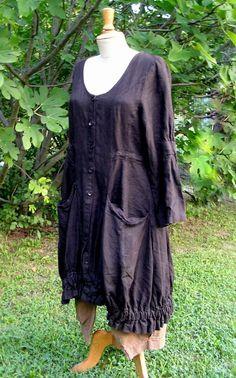manteau en lin de la marque Talia Benson, modèle Myrto kalimbaka.com