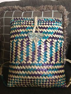 Flax Weaving, Basket Weaving, New Zealand Flax, Sewing Tutorials, Straw Bag, Baskets, Business, Clothes, Tejidos