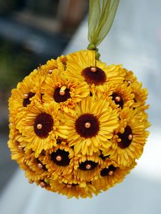 creative flower arrangements and floral designs with sunflowers, yellow flower table decorations and centerpieces Creative Flower Arrangements, Modern Flower Arrangements, Flower Table Decorations, Table Flowers, Yule, Floral Haven, Wedding Bouquets, Wedding Flowers, Boho Wedding