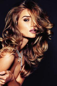 love the hair  Makeup. Rosie Huntington Whiteley