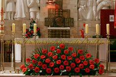 Deco with Love's Church Altar Decorations, Flower Decorations, Wedding Decorations, Funeral Floral Arrangements, Large Flower Arrangements, Altar Flowers, Church Flowers, Wedding Stage Design, Wedding Altars