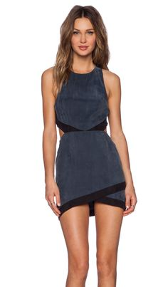 NBD Shades of Cool Dress en Charcoal | REVOLVE