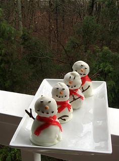 Oreo Truffle Snowmen from Willow Bird Baking blog.http://willowbirdbaking.com/2009/12/21/oreo-truffle-snowmen/
