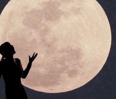 Una superluna enciende el cielo toda la noche, de hoy sábado día 12 /7 /14
