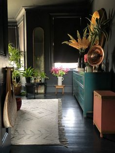 Suszi Saunders Dark and Dramatic Home - Design - Furniture Living Etc, Living Room, Green Sofa, Dark Interiors, Black Furniture, Pastel Furniture, Home And Deco, Bedroom Colors, Bedroom Ideas