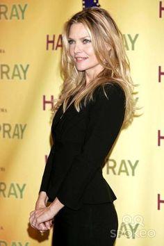 Michelle Pfeiffer - Hairspray. Michelle Pfeiffer, 1990 Style, Amy Robach, Beautiful People, Beautiful Women, Hollywood Actresses, Actors & Actresses, Divas, Nicole Kidman