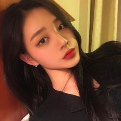 Image may contain: 1 person, selfie and closeup Ulzzang Korean Girl, Cute Korean Girl, Uzzlang Girl, Grunge Girl, Korean Model, Aesthetic Girl, Actor Model, Beautiful Asian Girls, Pretty Face