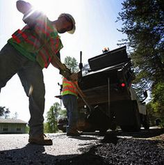 Http Pavingandsealcoating Com Abc Paving And Sealcoating Provides Commercial Organizations With The High Asphalt Repair Asphalt Pavement Paving Contractors