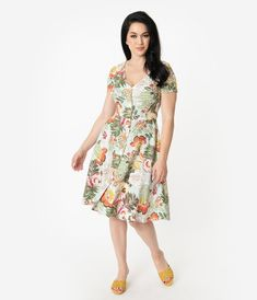 bfa59396a1b4 1950s Style Mint Tropical Floral Print Short Sleeve Button Up Swing Dress